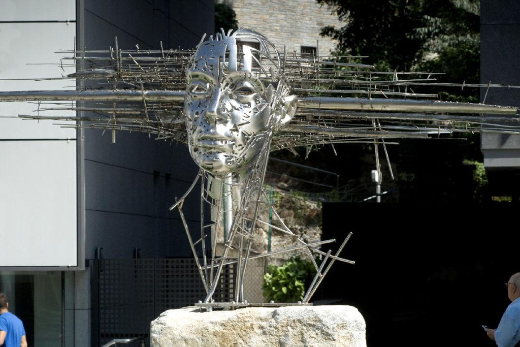 Horizon head - Escultura Monumental en Acero | Jordi Díez